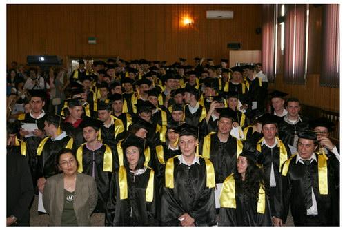 festivitati-absolvire-targu-carbunesti